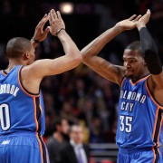 НБА: Оклахома и Голден Стейт побеждают, Детройт и Кливленд проигрывают